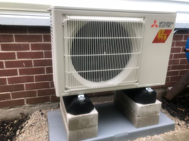 Heat pump for ductless heat and air conditioning in Wheaton, IL